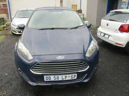 Ford fiesta 2014 Model,5 Doors factory A/C And C/D Player