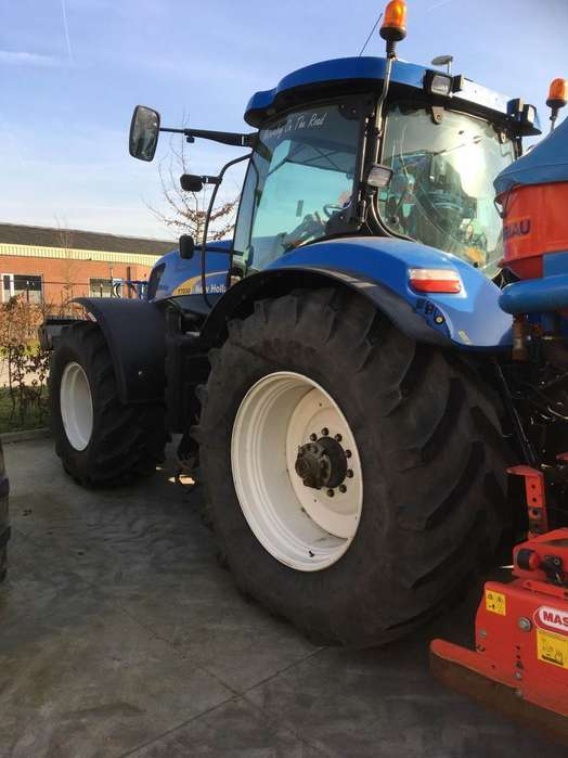 New Holland T7030 Classic - 2010 for sale | Tradus