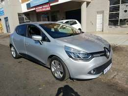 2013 renault clio 1.6i turbo with 79000km got navigation Bluetooth