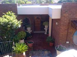 Large Heuwelsig Home with Flatlet To Let 1st May 2017