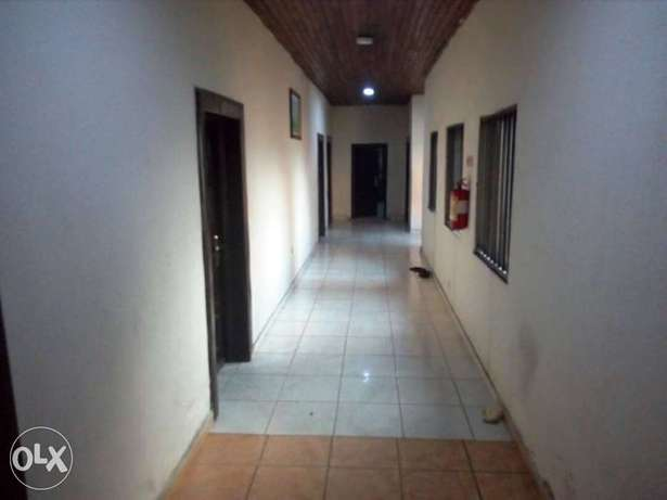 Standard hotel at GRA Phase 11, on Woji road up for sell Port Harcourt - image 4