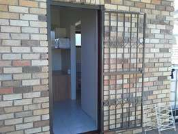 The Perfect Single Stundent Accomodation Available in SUMMERSTRAND