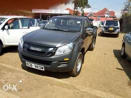 DMX Isuzu pick up 2013 local