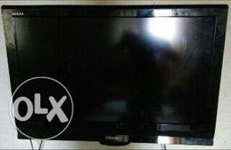 Very clean Toshiba REGZA LCD 32inch for sale