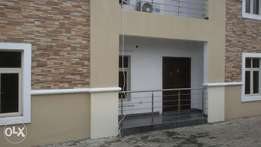 Clean self contain at Maruwa,lekki phase 1 for 600k