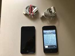 iPod Touch 8 GB 3rd Generation with charger