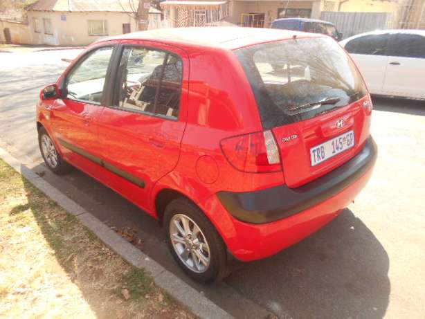 2006 Automatic Hyundai Getz 1.6 Hatchback with sound system for sale Johannesburg - image 3