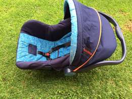 Baby Stroller / Pram and car seat carrier