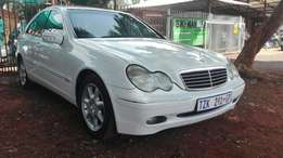 Mercedes benz c320 bargain!!!