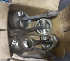 Mazda E5 Pistons+Rings on Conrods