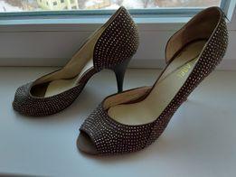 Красивые туфли босоножки на каблуке 2d6b8e45ea3a4
