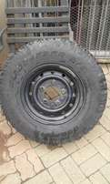 landrover rim and tyre