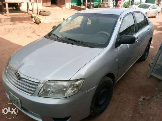 A very clear used Corolla 2004 Ikeja - image 1