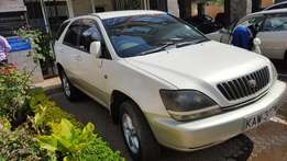 Cleanest Toyota Harrier KAW 2.1litre for 680k
