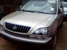 Tincan cleared tokunbo lexus rx300 00