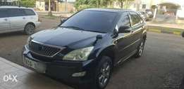 Toyota Harrier. super clean. fully loaded