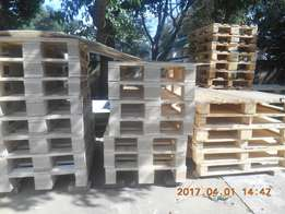 Good condition wooden pallets