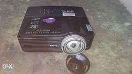 BenQ short throw Projector with laser pointer