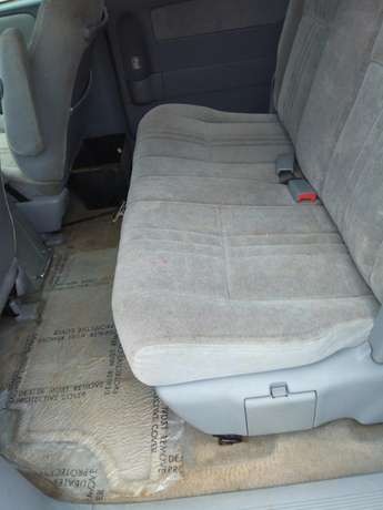Toyota sienna 2000 model CE Low mileage fabric seats chilling Ac Surulere - image 4