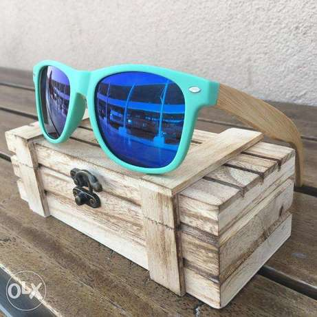Blue skyline model bamboo polarized shades