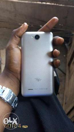 I want to sell my itel A51, working perfect and just a month old. Alimosho - image 1