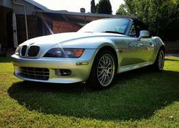 BMW Z3 3.0i Roadster 101k kms immaculate. Lady driven