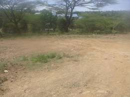 50 X 100m land in Athi River