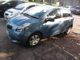 Toyota Yaris t3 2008 model blue in colour 75000km R76000
