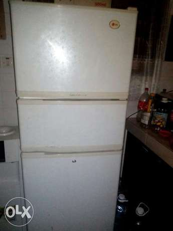 Lg fridge in perfect working condition Nyali - image 2