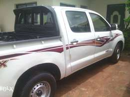 Clean unregistered toyota hilux.2005 model. In perfect condition