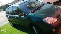 Renault Scenic priced to go today
