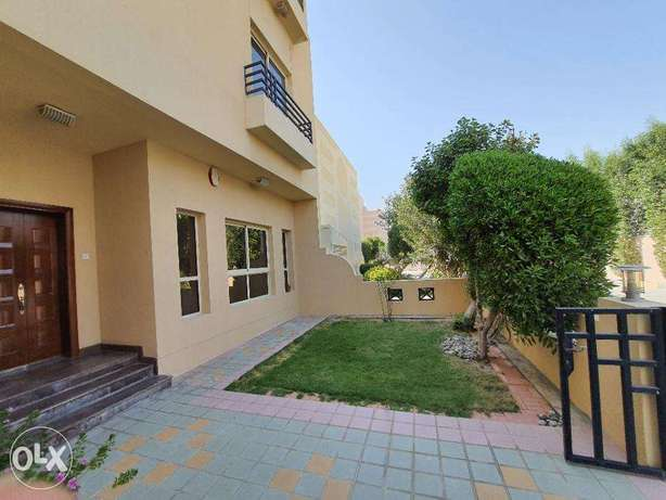 Modern 4 Bedroom Villa With Balcony For Rent
