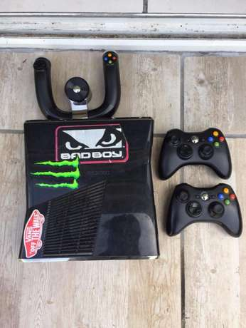 xbox 360- 12 games - steering wheel and seat Morningside - image 1