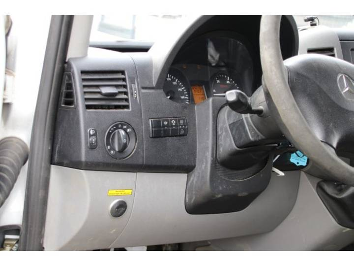 Mercedes-Benz SPRINTER 519 CDI - 84 793 KM - 2010 - image 17