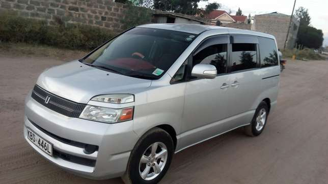 Clean Toyota Voxy for sale Mlolongo - image 8
