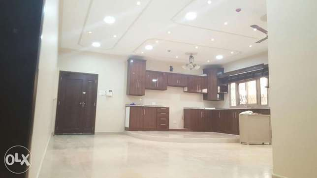 Shakhoora 3 BHK flat / 1 minut driving to St Christopher school