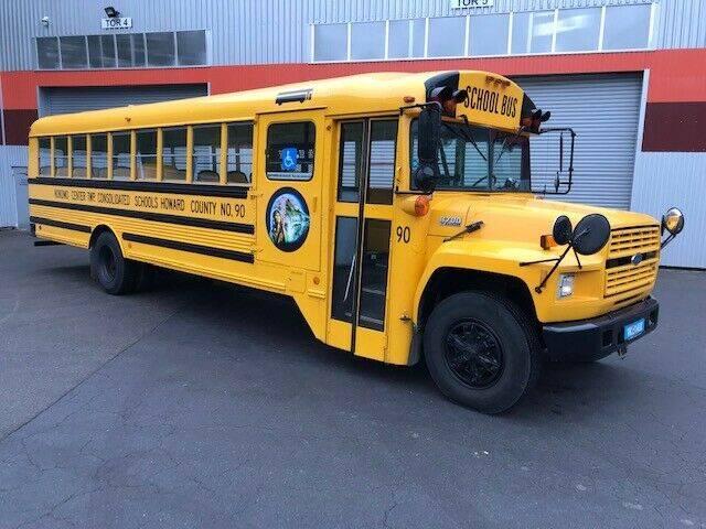 Ford School Bus B700 Diesel - 1992