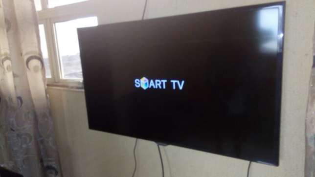 "Few months 40"" 3D SAMSUNG SMART LED TV with inbuilt wifi and miracast. Agbado/Oke-Odo - image 1"