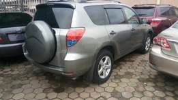 Toyota rav4 2008 model very clean buy and drive