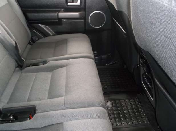 2007 Land Rover Discovery 3 Td V6 S AT Roodepoort - image 8