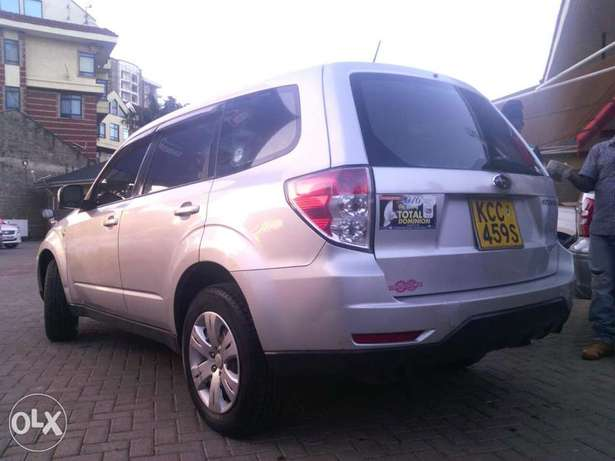 Subaru Forester new shape automatic non-turbo. Lady owned City Centre - image 3