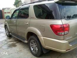 Toyota sequoia 08 first body