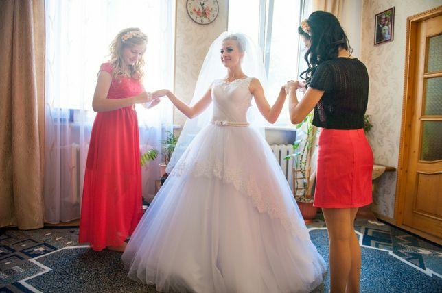 Весільна сукня  2 500 грн. - Весільні сукні Червоноград на Olx 74a4cd5a90a39