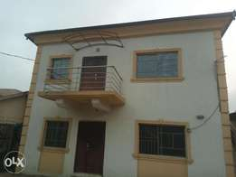 A 3 bedroom Apartment at New Bodija for Rent