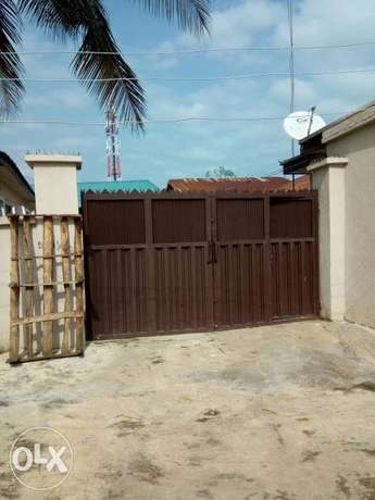 4unit of 1bed room with a self-contained flat and security house. Kubwa - image 4