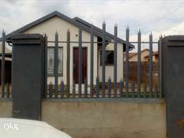 3bedrooms house available for rental