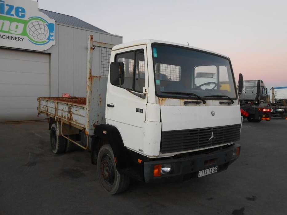 Mercedes-Benz 1114 - full steel - manual gearbox - 1985