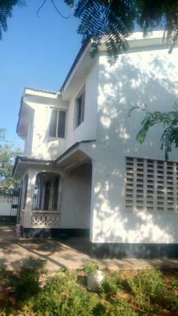 4 Bedroom massionate own compound To Let Nyali Mombasa county Nyali - image 2