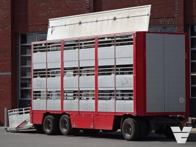 Berdex AV1018 3Stock Livestock trailer - 2004