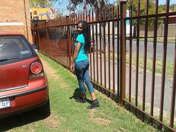 Iam a lady from Malawi looking for a job as a domestic worker Turffontein - image 2